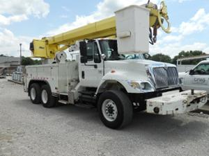2004 International 7400 Sba